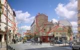 El artista suizo felice Варини en su obra utiliza impresionantes анаморфические ilusiones комнатаз, los edificios y de las plazas de las ciudades, que pinta de colores las líneas y círculos. Estas líneas que no tienen ningún sentido, hasta que el hombre no se ponga de pie en un lugar determinado. Traducido del servicio de «Yandex.Traductor»