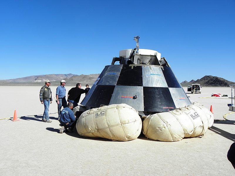 Перспективный спускаемый аппарат пилотируемого транспортного корабляCST-100(США).