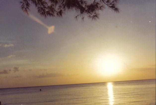 El brillo del Sol en la foto que se encuentra en los paisajes de las instantáneas, en miami (florida), desde la década de los setenta. Traducido del servicio de «Yandex.Traductor»